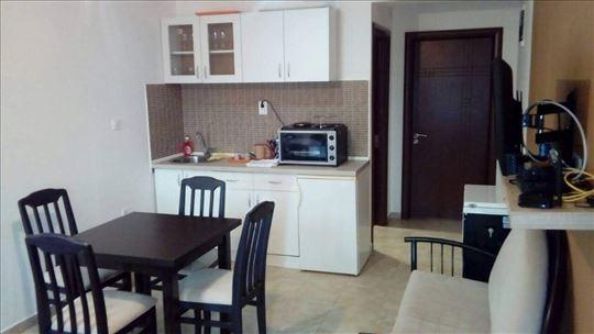 Crna Gora, Đenovići, apartman250m od mora