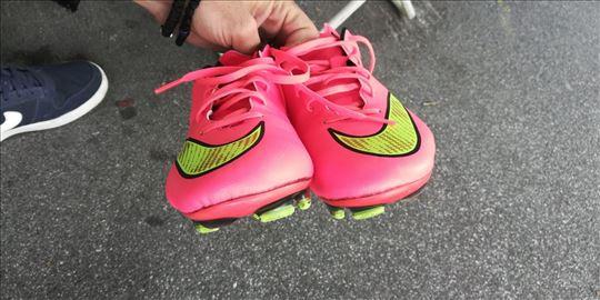 Kopačke Nike Mercurial.