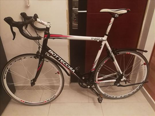 Bottechia trkački bicikl