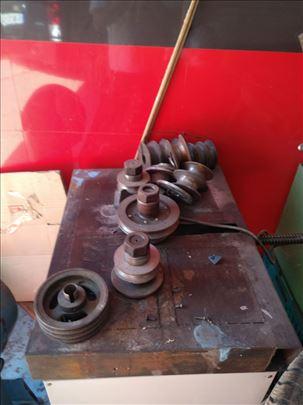 Mašina za savijanje metalnih cevi i šipki