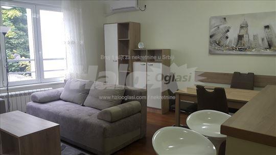 LUX stan- opremljen u blizini Crvenog Krsta, 3.0