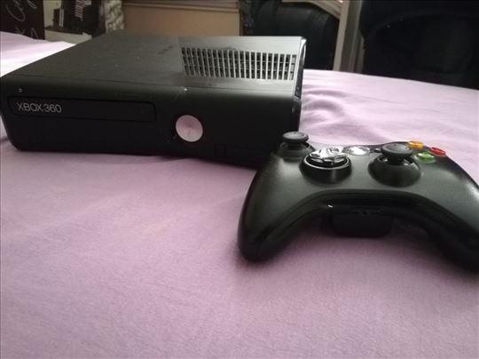 Xbox 360 (čipovan) + Joystick