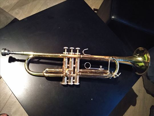 Bach U.S.A. truba, model TR300
