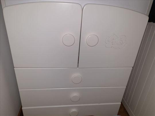 Nova bela komoda za bebu