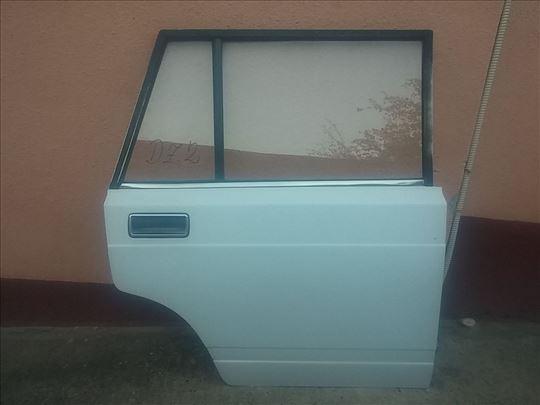 Vrata zadnja desna Lada 2104 Karavan bela ZD2