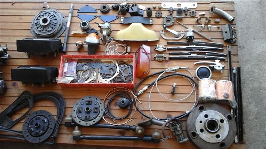 Delovi i oprema za ficu oldtajmera