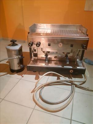 Aparat za espresso kafu i mlin