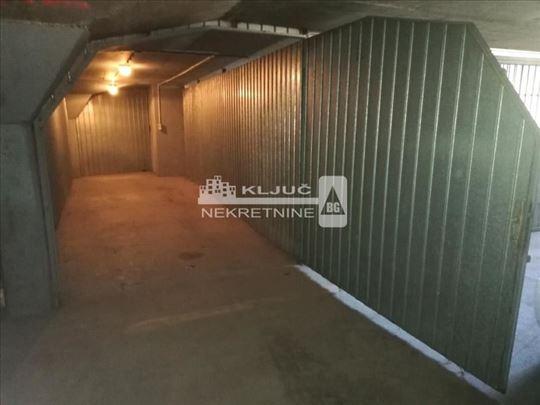 Garaža Španskih Boraca ID#1253
