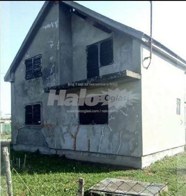 Kuća u Deču na prodaju
