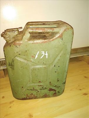 Metalni kanister 20lx2kom,odlicno dihtuje zatvarac