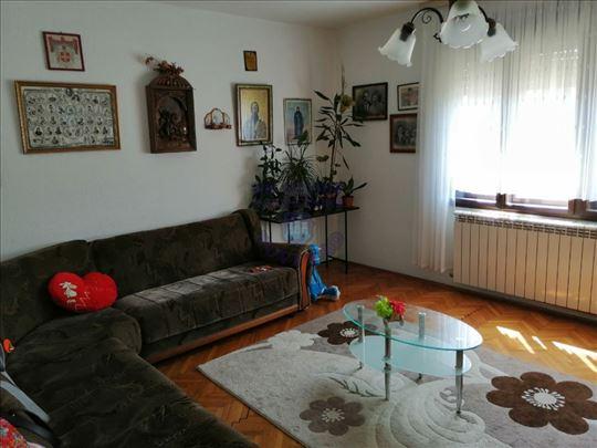 Novi Slankamen, Centar, Kuća, 5.0, 142m2