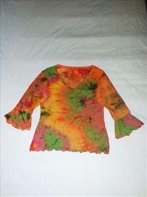Veoma zanimljiva majica ofarbana batik tehnikom