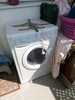 Veš mašina za pranje i sušenje, ispravna
