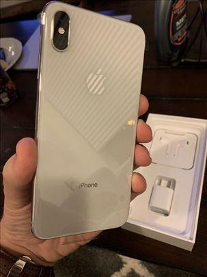 novi iphone xs max 256GB