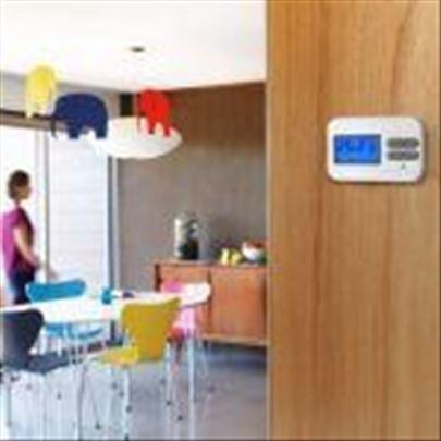 Digitalni sobni termostat Q3 – Prosto