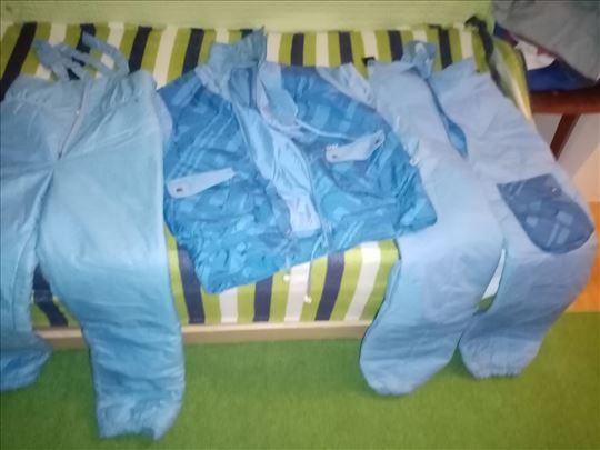 Skijaška jakna i dva para pantalona