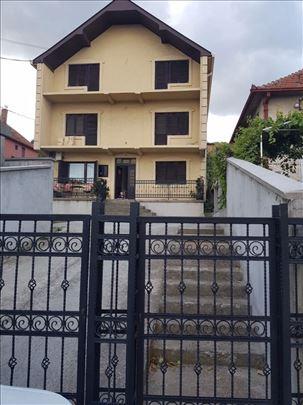 Kuća Smederevo UKNJIŽENA. 300 kvm