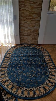 Prodajem očuvan tepih