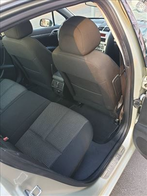 Peugeot 407 2.0 E Premium