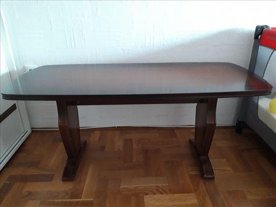Stilski klub sto od drveta