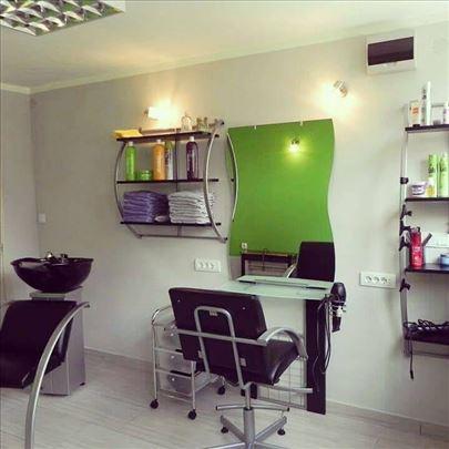 Kompletan frizerski salon sa 1 radnim mestom