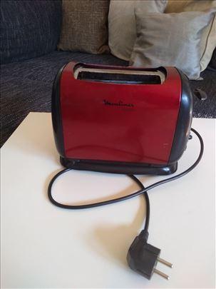Moulinex toster model-LT120530 neispravan