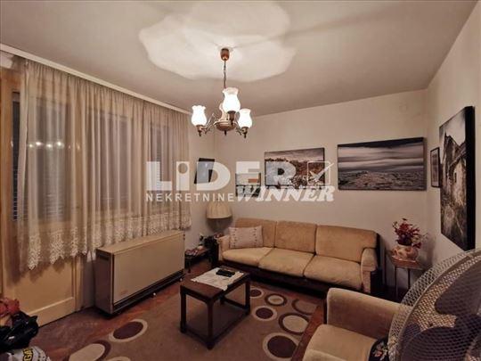 5.0 stan podeljen na 2 stambene jedinice ID#102821