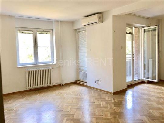 Poslovni prostor za izdavanje, Vračar, 87m2, ID 24