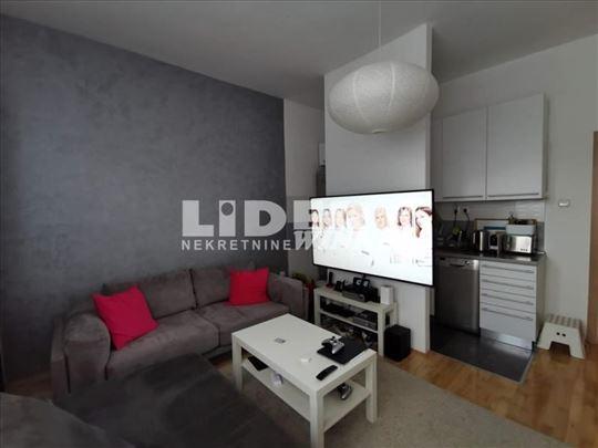 Kompletno lux renoviran stan sa nameštajem ID#1029