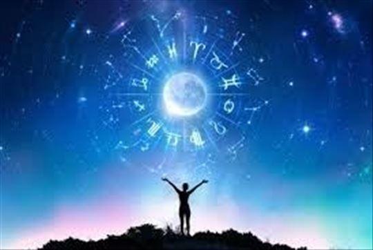 Astrolog sa dugogodišnjim iskustvom