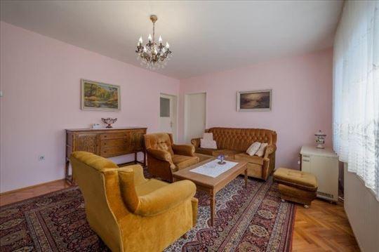 Prodaje se kuća,196 m2,ul.T. Hadžagića, Prijepolje