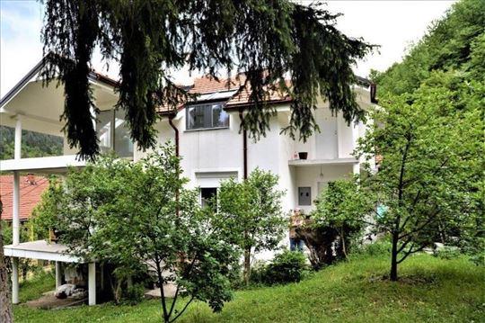 Prodaje se kuća,163 m2,ul.Valterova, Prijepolje