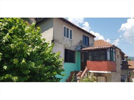 Prodaje se stara kuća,66 m2, ul.Vuka Karadžića