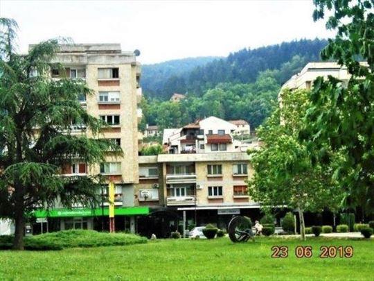 Prodaje se stan 100 m2 , Podvaroš, Prijepolje