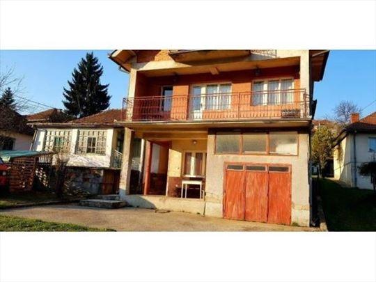 Prodaju se 2 kuće,ul.Lj. Miodragovića,Prijepolje