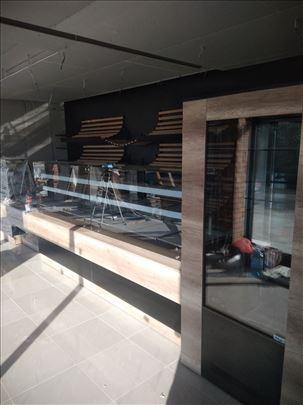 tople vitrine stolovi pultovi