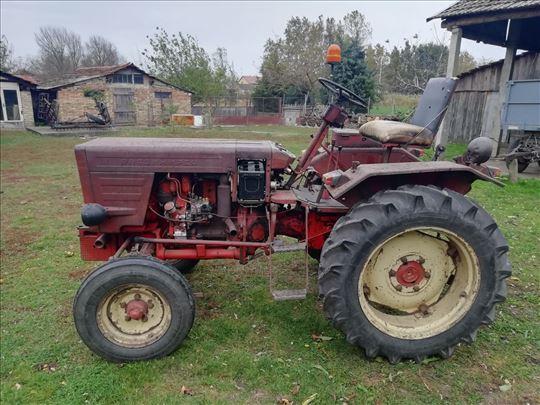 Prodajem traktor Vladimirec T 25/A- 1