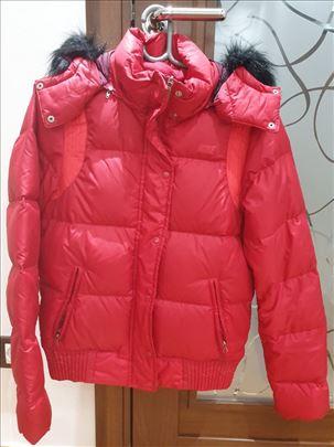 Na prodaju ženska jakna Nike