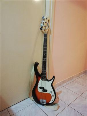 Povoljno prodajem gitaru sa pojačalom!