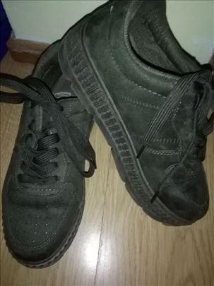 Cipele-patike-vel 38-Lussi