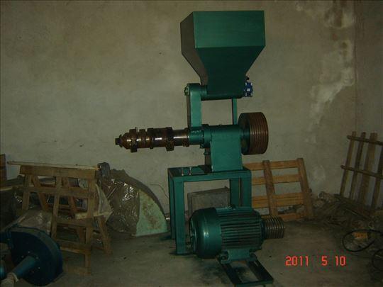 Ekstruder 100kg/h i 500kg/h za soju i kukuruz