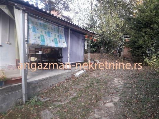 Dedinje - Joce Jovanovića 32kvm + 4,2ara