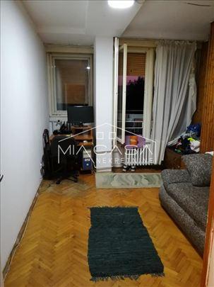 Pariske komune, odlican dvosoban stan ID#1054