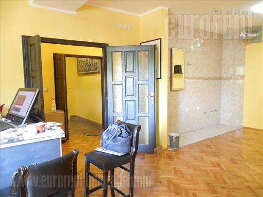 #36073, Izdavanje, Kuća, ĐERAM, 1200 EUR
