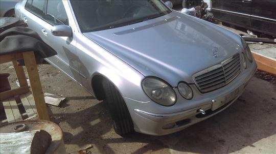 Mercedes w211 E klasa delovi