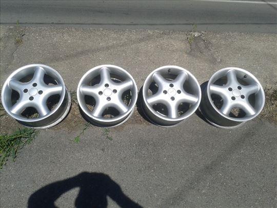 Prodajem 4 Aluminiumske felne