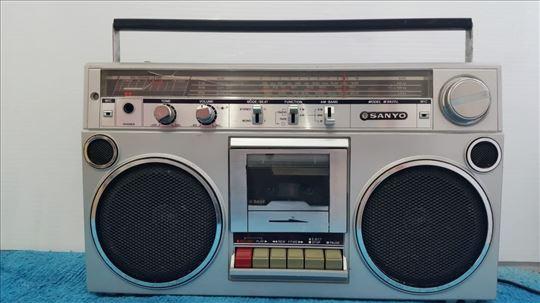 radio kaseta Sanyo, 9820K