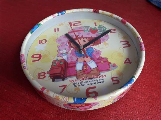 Dečiji zidni sat za devojčice