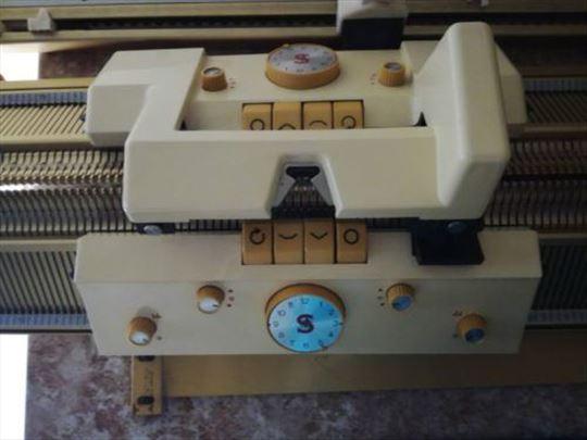 Mašina za štrikanje Singer