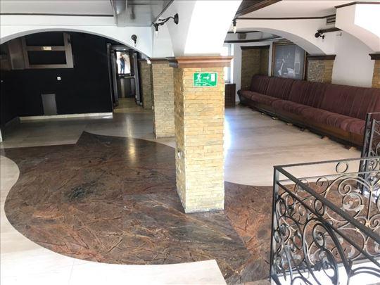 Prodajem lux poslovni prostor u centru Novog Sada
